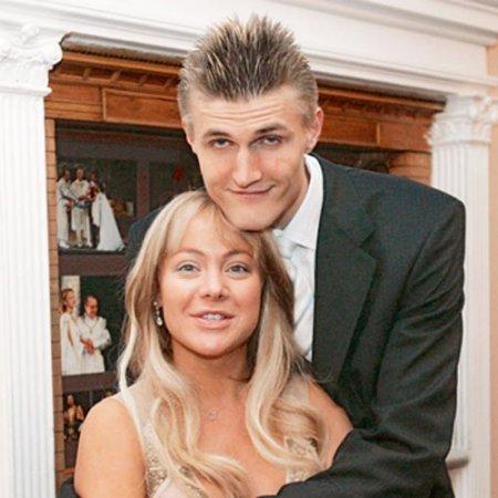 андрей кириленко баскетболист фото с женой уже два