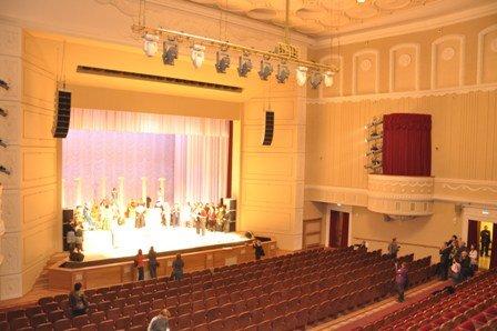 Театр русский драматический ижевск афиша как называется контролер билетов в театре