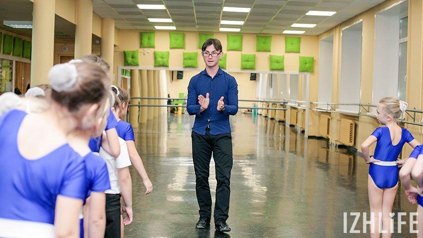 «Занятия танцами приучают ребенка к дисциплине, вырабатывают в нем чувство ответственности - то, что так важно для любого человека», - считает Петр Овчинников