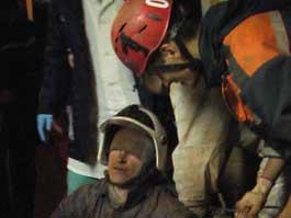 Четыре часа спасатели доставали ижевчанина из-под земли