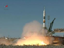 Первый частный космический корабль побывал на орбите Земли