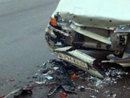 При лобовом столкновении легковушек на трассе в Удмуртии погибли две женщины