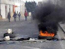 В столицу Туниса ввели войска