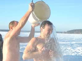Крещенские купания в Ижевске: где и как окунуться в прорубь