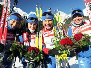 Женская сборная России выиграла эстафету по биатлону