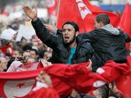 В Тунисе не прекращаются массовые акции протеста