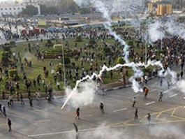 Беспорядки в Египте: погибли более 100 человек
