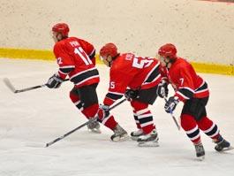 Проигрывая с разгромным счетом, хоккеисты из Ижевска подрались с соперниками из Нижнего Тагила