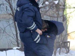 В Чите ищут автора скандальных фотографий с милиционерами