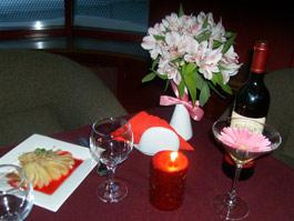 Создаем романтичное настроение за праздничным ужином
