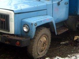 В Удмуртии «пятерка» протаранила стоящий на обочине грузовик