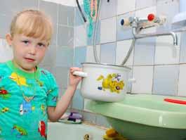 Куда жаловаться ижевчанам, если в доме отключили горячую воду?