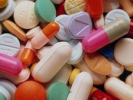 В России лекарства от кашля и головной боли могут исчезнуть из свободной продажи