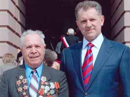 Путин помог ижевскому пенсионеру выпустить сборник стихов