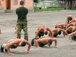 Уменьшение срока службы в армии привело к росту дедовщины