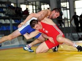 200 борцов-юниоров со всей России приедут в Ижевск на турнир по вольной борьбе