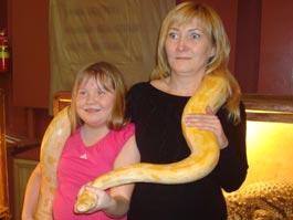 В Ижевск привезли ядовитых змей и крокодила из Тулы