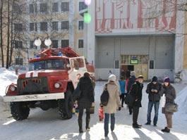 Электронный терроризм в Ижевске: студентов Медакадемии эвакуировали