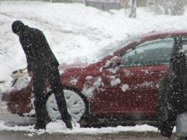 В Ижевске из-за снегопада водители стоят в пробках