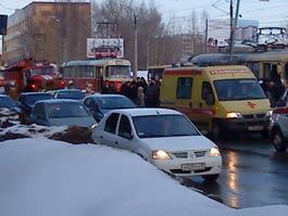 Страшное ДТП в Ижевске: в час-пик легковушка влетела в толпу пешеходов