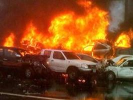 На трассе Дубай — Абу-Даби столкнулись сразу 127 машин