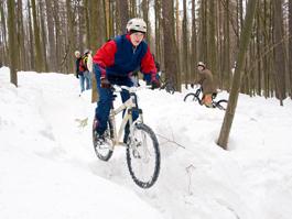 Ижевские велофаны устроили апрельский «гряземес»