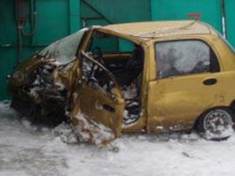 На трассе в Удмуртии лоб в лоб столкнулись иномарка и автобус, погиб мужчина