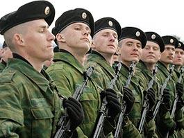 В России повысили оклады пожарным и наркополицейским