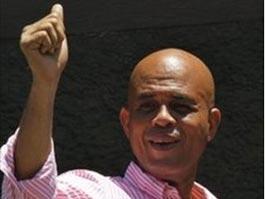 На выборах президента Гаити побеждает «Сладкий Микки»