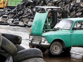 Владимир Путин продлил программу утилизации старых автомобилей