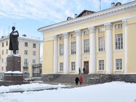 Пожарные и прокуратура Ижевска опять закрывают «Ленинку»