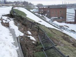 «Поехавшие» склоны ижевской набережной восстановят за счет строителей