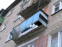 Ижевчанка вышла за водкой с балкона 7 этажа