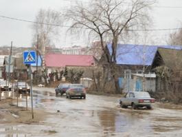 В Ижевске ликвидировали самую большую лужу на улице Партизанской