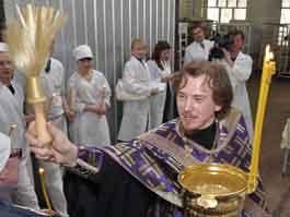В Ижевске начали освящать куличи