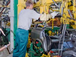 На «ИжАвто» начинается производство полного цикла Lada 2107