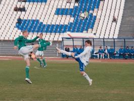 Футбольный клуб «Зенит-Ижевск» проиграл домашний матч-открытие