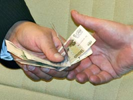 В Ижевске за взятку задержали преподавателя уголовного права