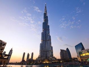 В Дубае мужчина выбросился из самого высокого в мире здания