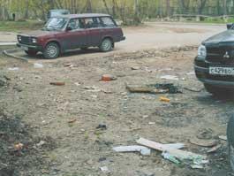 Мусор на центральной улице Ижевска: горожане ищут хозяина свалки