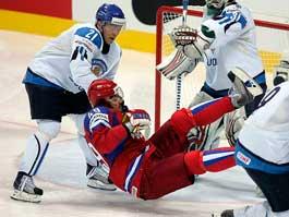 Сборная России по хоккею «всухую» проиграла Финляндии
