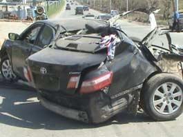 В Ижевске в ДТП «Тойоту» намотало на столб и разорвало пополам