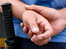 Избившим подростка участковым в Удмуртии предъявлено обвинение