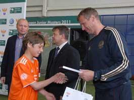 Футболистов из Ижевска показали старшему тренеру юношеской сборной