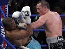 Денис Лебедев нокаутировал 8-кратного чемпиона мира Роя Джонса