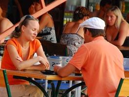 Власти Ижевска сократили количество летних кафе