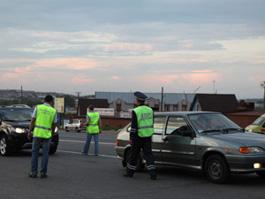 В Удмуртии выпивший дедушка на «Москвиче» прорвал оцепление на трассе и был остановлен выстрелами