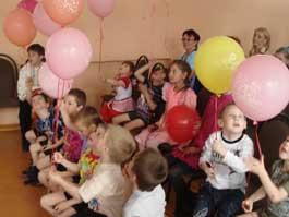 Сотрудники Сбербанка подарили детям праздник