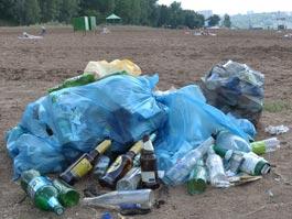 С пляжа на Селычке увезли 5 тонн мусора