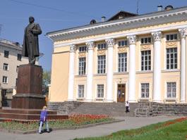В Ижевске на неопределенный срок закрыли Ленинскую библиотеку